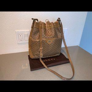 Authentic Gucci crossbody bucket bag supreme bag